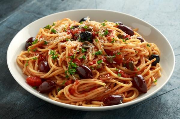 Winzerrezept-Mi-Terruno-Spaghetti-alla-Puttanesca-von-vinovossum
