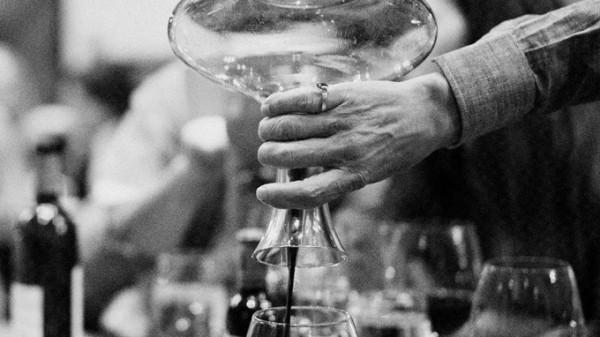 feine-Weine-von-vinovossum-dekantieren