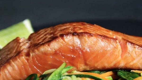 Grilled-Salmon-and-veggies-Caroline-Attwood-Unsplash-bpPTlXWTOvg