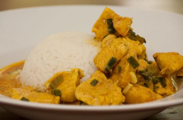 Huehnchen-Kokos-Curry